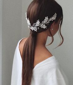 for bridesmaids Gorgeous Wedding Hairstyles For The Elegant Bride 1 - I Take You Wedding Hairstyles For Long Hair, Wedding Hair And Makeup, Wedding Hair Accessories, Bride Hairstyles, Hair Pieces For Wedding, Hairstyle Ideas, Teenage Hairstyles, Hairstyle Wedding Bridesmaid, Chignon Updo Wedding