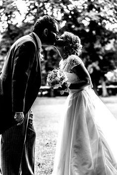 Fotograf: Manfred Burger Wedding Dresses, Fashion, Bride Dresses, Moda, Bridal Gowns, Fashion Styles, Weeding Dresses, Wedding Dressses, Bridal Dresses
