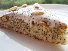 Вкусный пирог с маком и сметанным кремом
