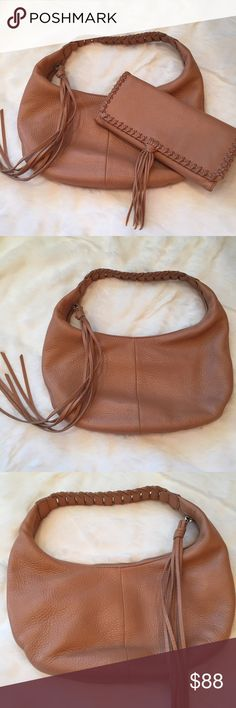 Banana Republic Bag & Wallet Banana Republic hobo bag and matching wallet. Both genuine leather, excellent condition. Barely used. Caramel brown color. Listing is for both items together. Not willing to sell items separately, sorry! Banana Republic Bags Hobos