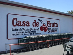 File:Casa de Fruta Outside Building Sign.JPG