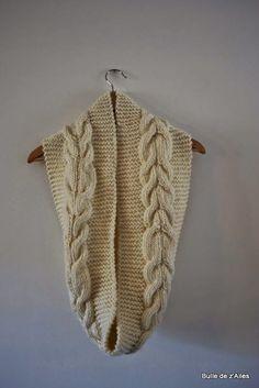d7f56c61ff85 MES FAVORIS TRICOT-CROCHET  Modèle tricot gratuit   Un snood à torsade