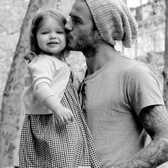 S'cute #davidbeckham #david #beckham #father #cute #dad #model #soccer #manchesterunited #girl #daughter #aw #casual #chic