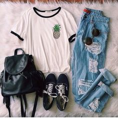 shirt tumblr tumblr outfit tumblr clothes style jeans ripped jeans blue grunge…