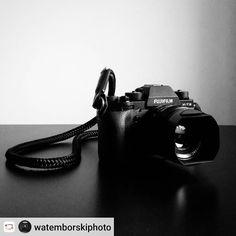 #Rensta #Repost: @watemborskiphoto via @renstapp   #fuji #fujifilmxt2 #xt2 #mırrorlesscamera #mirrorless #stroppa #minimalism #mnml #minimal #minimalista #allblack #bw #camera #photogear #photography #cameragear #cameraporn #xf35mm #retro #vintage #style #chic #elegant #elegance