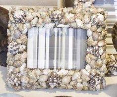 Manualidades con conchas. Si sois de los que recogéis todo tipo de conchas en vuestras visitas a la playa, no lo dudéis, estas son las ideas que necesitáis. Vía https://www.facebook.com/634604109942851