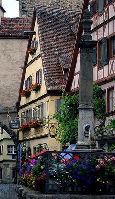 Rothenburg Flowers.. Rothenburg ob der Tauber, Bavaria, Germany | Flickr - Photo by Bachspics