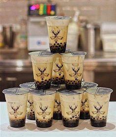 Fun Drinks, Yummy Drinks, Boba Recipe, Bubble Tea Flavors, Boba Pearls, Bubble Milk Tea, Milk Ingredients, Food Platters, Aesthetic Food