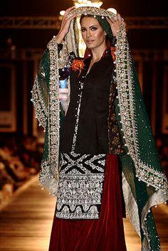 Pakistani clothing Shalwar Kameez