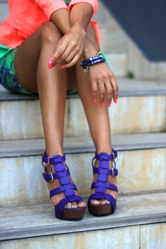 bright color mix street style (shoes and outfit) Look Fashion, Fashion Shoes, Womens Fashion, Girl Fashion, Fashion Models, Fashion Brands, Luxury Fashion, Crazy Shoes, Me Too Shoes