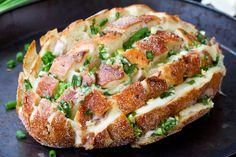 Как испечь хлеб: 7 рецептов с цуккини, семечками, луком и вялеными томатами