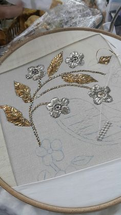 Diy Embroidery Kit, Hand Work Embroidery, Learn Embroidery, Embroidery Fabric, Hand Embroidery Stitches, Hand Embroidery Designs, Cross Stitch Embroidery, Embroidery Patterns, Zardosi Embroidery