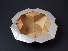 Origami: realized with a square of Kraft paper 20 x 20 cm cm. Designed and folded by Francesco Guarnieri, March Origami Folding, Paper Folding, Origami Bowl, Origami Design, Star Flower, Flower Boxes, Kraft Paper, Some Pictures, Quilling