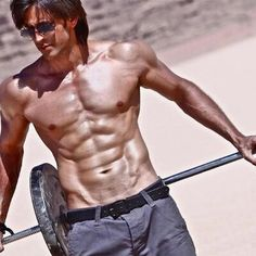 Hrithik Roshan Having the Best ABS of Bollywood Best Muscle Building Foods, Muscle Building Supplements, Muscle Building Workouts, Building Apps, Building Ideas, Building Images, Body Workouts, Crossfit, Hamstring Muscles