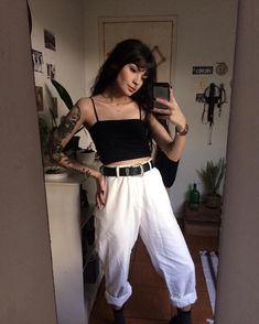Where I can get these pants man #grungeoutfitstumblr Dark Fashion, Grunge Fashion, 90s Fashion, Fashion Outfits, Fashion Tips, Fashion Quotes, Fashion 2017, Fashion Watches, Korean Fashion