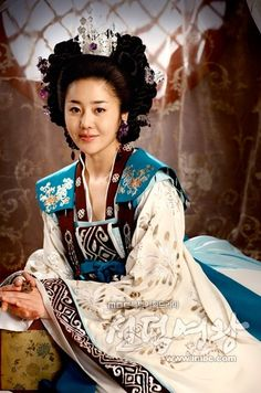 This is the clever and manipulative Mishil from (the Korean historical drama) The Great Queen Seondeok, one of the best villains that I have encountered -- in any form of fiction.