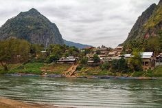 #NongKhiaw, Nam Ou river, #Laos - www.gdecooman.fr portfolio, cours et stages photo à Lille, visites guidées de Lille