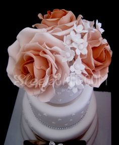 #wedding #cake #sleek #cafe cakes #savona #italy #flowers #sugar