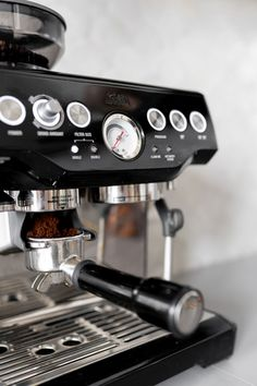Automatic Espresso Machine, Best Espresso Machine, Coffee Shop, Coffee Cups, Coffee Maker, Barista, Coffe Recipes, Coffee Corner, Cafe Design