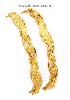 Gold Bangles - Set of 2 Pairs): Totaram Jewelers: Buy Indian Gold jewelry & Diamond jewelry Gold Temple Jewellery, Gold Wedding Jewelry, Gold Jewelry, India Jewelry, Gold Bangles Design, Gold Jewellery Design, Designer Bangles, Diamond Bangle, Diamond Jewelry