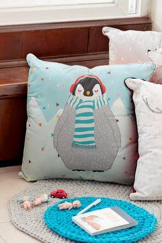 Decorative Pillow - Penguin - 100% cotton