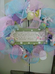 Easter wreath with little bunnies!!