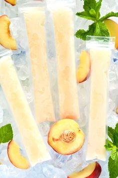 These Peach Prosecco Popsicles are the perfect treat for hot Summer nights. They're so simple and easy to make, with just three ingredients! How to make your own Peach Prosecco Popsicles - so easy! Ready for the freezer in just 5 minutes. Recipe from Frozen Cocktails, Easy Cocktails, Fun Drinks, Yummy Drinks, Cocktail Recipes, Beverages, Vodka Cocktails, Champagne Popsicles, Alcoholic Popsicles