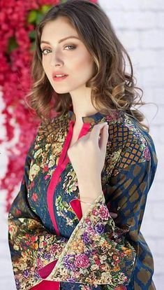 Look Your Absolute Best With These Beauty Tips Beautiful Muslim Women, Most Beautiful Indian Actress, Beautiful Hijab, Gorgeous Women, Most Beautiful Faces, Beautiful Girl Image, Beautiful Models, Stylish Girl Images, Stylish Girl Pic