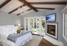 Home-Dzine - Create a boutique hotel style bedroom Matching Paint Colors, Bedroom Fireplace, Fireplace Ideas, Bedroom Ceiling, Tv Fireplace, Fireplace Design, Bedroom Wall, Bed Room, Bedroom Furniture