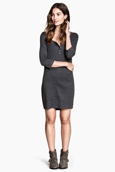 jersey dress (would need leggings) H&M People Cutout, Cut Out People, Nice Dresses, Dresses For Work, Ladies Dresses, Image Model, Photoshop, Party Looks, Human Figures