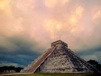 A Pirâmide de Chichén-Itzá.