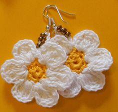 Crochet Wool, Crochet Bunny, Crochet Gifts, Crochet Earrings Pattern, Crochet Bracelet, Crochet Patterns, Crochet Flower Tutorial, Crochet Flowers, Handmade Jewelry Designs