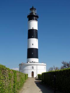 Le phare de Chassiron est situé tout au bout de l'île d'Oléron