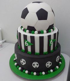 Soccer Cupcakes, Football Birthday Cake, Football Cakes, Soccer Birthday Parties, Soccer Cake, Soccer Party, Cupcake Cookies, Cake Decorating With Fondant, Occasion Cakes