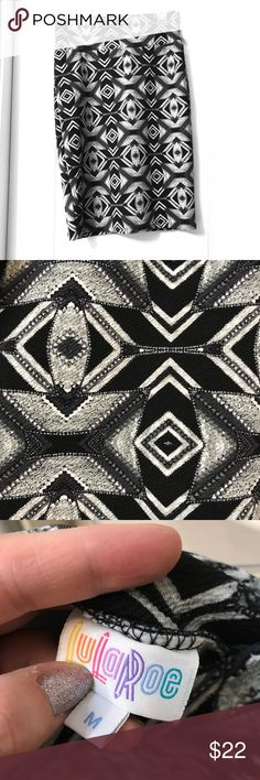💕LuLaRoe Cassie Skirt💕 Gorgeous black and white Aztec design Cassie stretch pencil skirt from LuLaRoe!  Excellent pre-owned condition. LuLaRoe Skirts Pencil