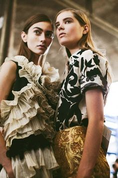 Dries Van Noten S/S 2014 More inspiration at Bed and Breakfast Valencia Spain: http://www.valenciamindfulnessretreat.org