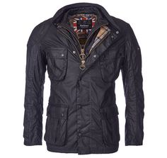 Veste Barbour B.Intl Gauge Tailored Fit Wax – Noir. La veste de cire de jauge s'apparie une moyennement lourds Sylkoil ciré coton extérieure avec cousu en matelassé liner, pour la chaleur essentielle et un élégant look superposé.