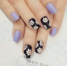 Flower nail art design Girls are more and more obsessed with decorating their nails, so if you were looking for some fresh nail designs this season, take a look. Enjoy in Photos! Flower Nail Designs, Simple Nail Art Designs, Flower Nail Art, Fancy Nails, Trendy Nails, Cute Nails, Nagel Bling, Nail Decorations, Beautiful Nail Art