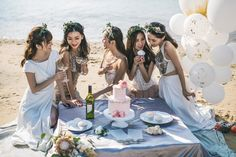 What Your Bridesmaids and Groomsmen Should and Shouldn?t Pay For