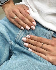 uk SEE DETAILS Subtle Nails, Neutral Nails, Minimalist Nails, Stylish Nails, Trendy Nails, Nail Manicure, Gel Nails, Stiletto Nails, Nagellack Trends