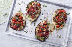 Le melanzane arrostite al forno  sono il piatto perfetto per l'estate, ricche e colorate possono essere servite sia come antipasto che secondo!