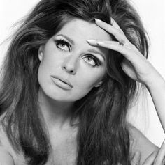 Paulene Stone, photographed by Brian Duffy from photoshoot for a calendar, 60s Vintage Clothing, Vintage Outfits, Vintage Fashion, Brian Duffy, Fashion Models, Fashion Beauty, She Walks In Beauty, Look Alike, Big Hair