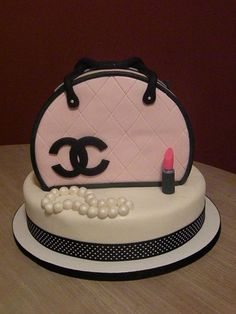 Pink & Black Chanel purse cake - my first purse cake! - handbags, tote, classic, betsy johnson, dior, steve madden purse *ad
