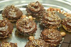 Super recept na labužnícke košíčky z krehkého cesta, plnené džemom a kakaovým krémom.