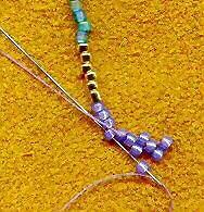 Szupi kis minta  Hozzávalók: Delica: http://www.gyongyvasar.hu/japan-miyuki-delica-gyongy Cseh gyöngy: http://www.gyongyvasar.hu/vegyes-cseh-gyongy
