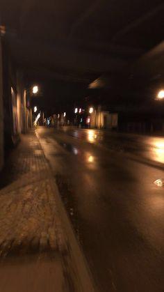 fake story night home Night Aesthetic, City Aesthetic, Aesthetic Images, Aesthetic Photo, Aesthetic Bedroom, Aesthetic Grunge, Black Aesthetic Wallpaper, Aesthetic Backgrounds, Aesthetic Iphone Wallpaper