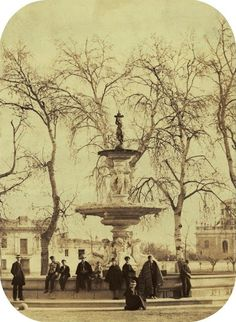 Fuente de las Cuatro Estaciones en la plaza del Real al inicio de la Alameda. Año 1867. Colección Díaz Prósper./ Valencia / vintage / photography