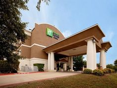 Cedar Park (TX) Holiday Inn Express Hotel & Suites Cedar Park (Nw Austin) United States, North America Located in Cedar Park, Holiday Inn Express Hotel & Suites Cedar Park (Nw is a perfect starting point from which to explore Cedar Park (TX). Offering a variety of facilities and services, the hotel provides all you need for a good night's sleep. Facilities like free Wi-Fi in all rooms, facilities for disabled guests, Wi-Fi in public areas, car park, meeting facilities are read...