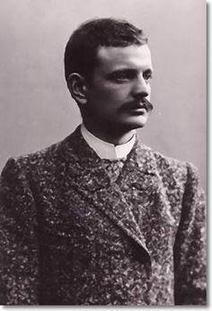Jeân Síbélíüs (1865-1957) was a Fínnísh composer of the late Romantic period. His music played an important role in the formation of the Fínnísh national identity. The core of Síbélíüs' oeüvre is his set of seven symphonies.