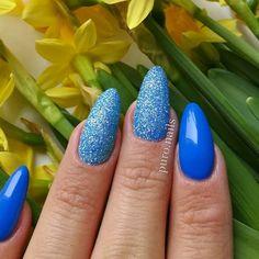 056 piekny niebieski kolor w towarzystwie mieniacej sie niebieskiej syrenki @cosmeticszone.pl duet idealny   #nailart #nailsoftheday #nails #nail #hybrydnails #hybrydymanicure #instant #instanail #nails2inspire #paznokciehybrydowe #piekne #paznokcie #polskadziewczyna  #nailartist_manicure #nails #wiosna2017 #niebieskiepaznokcie #niebieski #nailswag #hybryda #awesome  #nowypost @paznokciove_inspiracje @10_perfectnails @najseksowniejszepaznokcie @akademia_paznokcia #vanessanailzfeatures…